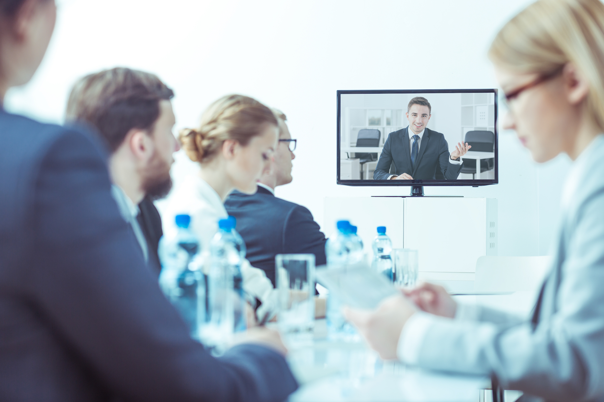Advantages of video conferencing for overseas business